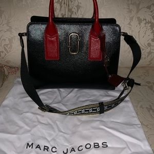 Marc Jacobs Big Shot.